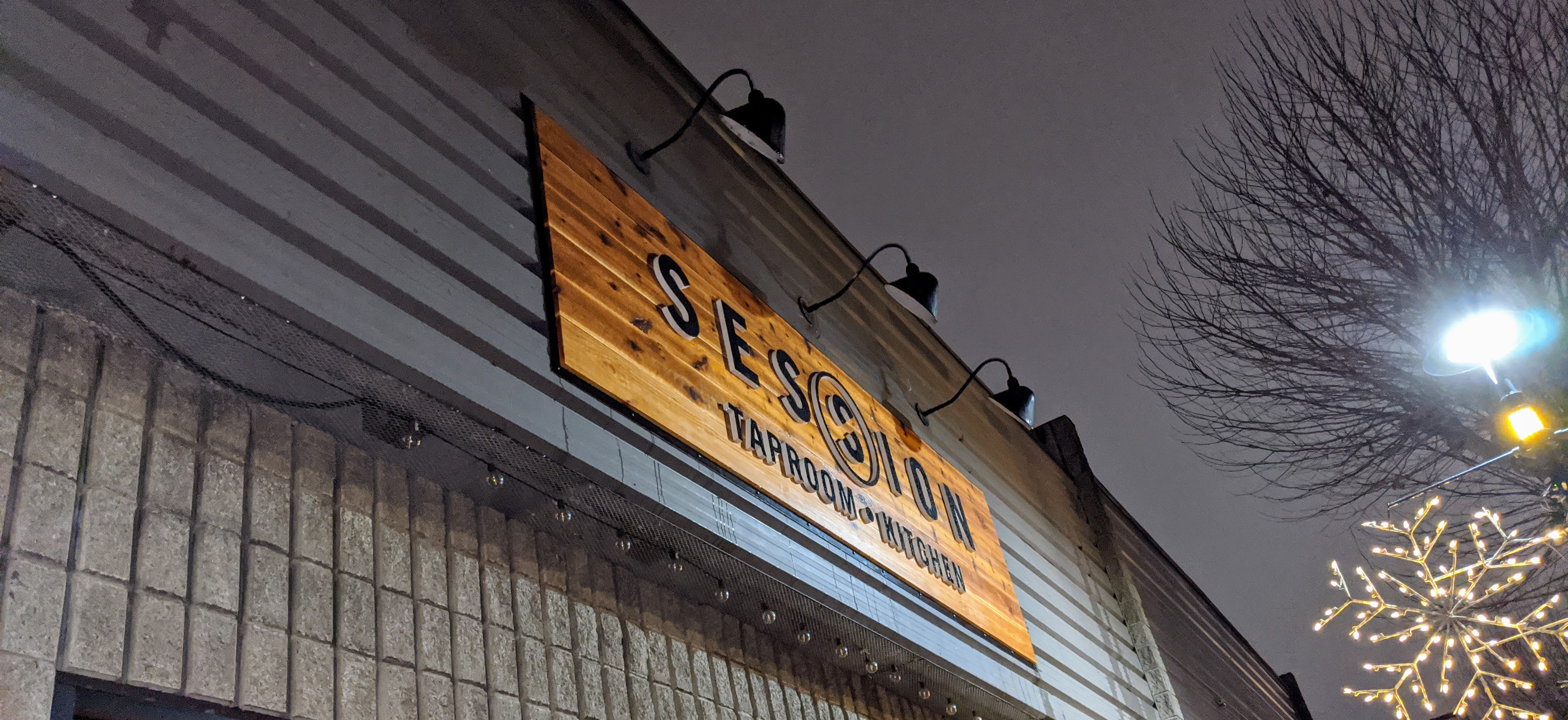 Session Taproom and Spin Sign